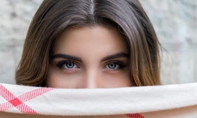 Сапунени, извити... какви са тенденциите в оформянето ан веждите?