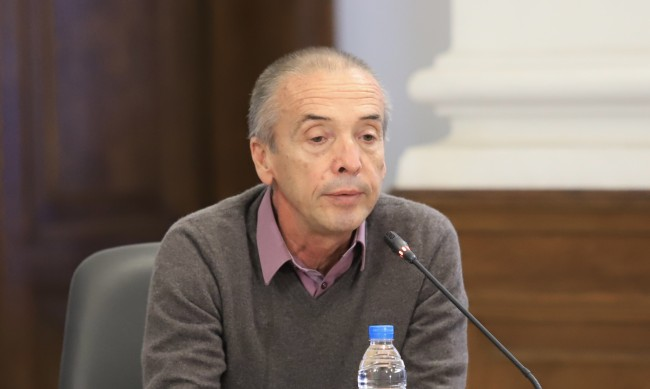 Семейството на Мангъров го смъмрило, че иска да е депутат