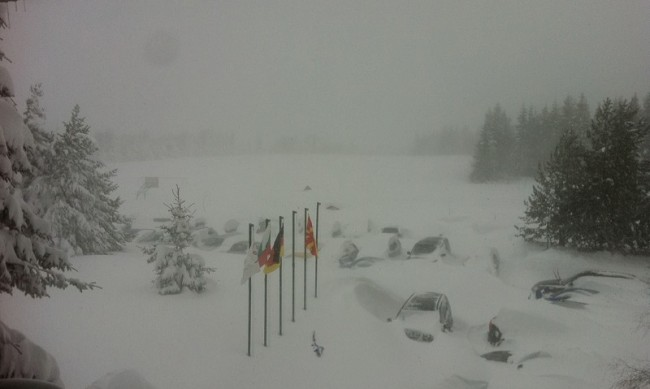 Снежни преспи блокираха 180 спортисти в базата на Белмекен