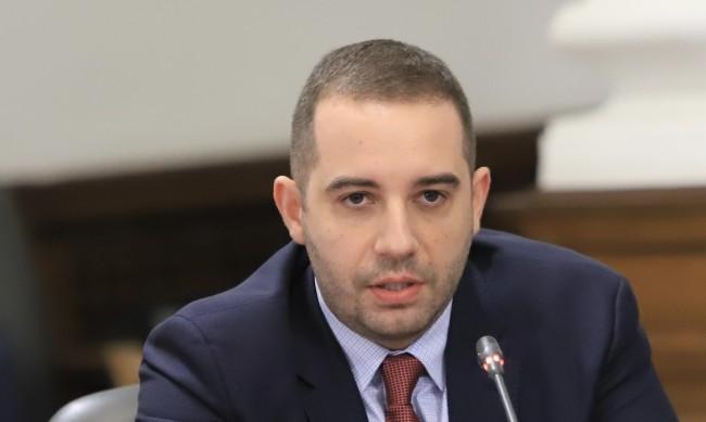 Богдан Кирилов: Възможно е масовата имунизация да стартира март-април