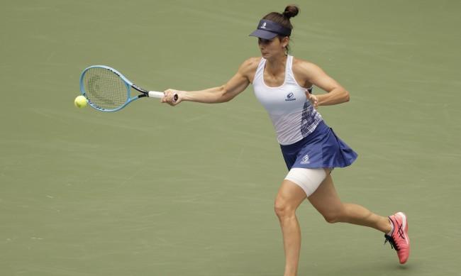 Цветана Пиронкова с нова победа в Мелбърн след обрат