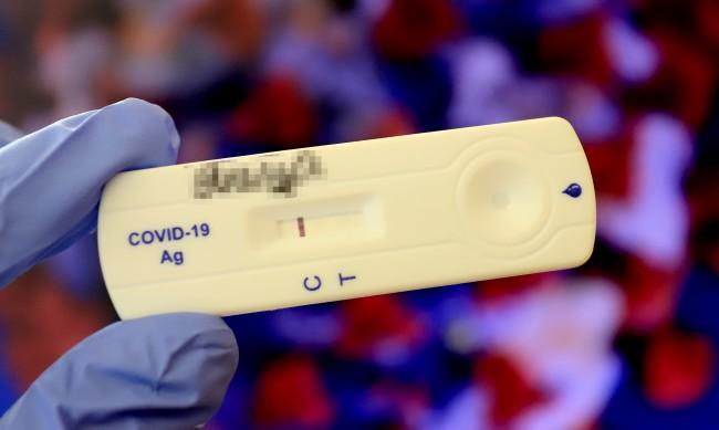 Отрицателен PCR тест и без карантина за българите, влизащи у нас
