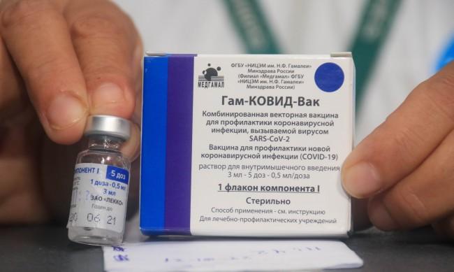 """Нобелов лауреат с похвали за руската ваксина """"Спутник V"""""""
