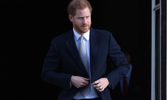 Принц Хари иска да запази военните си титли