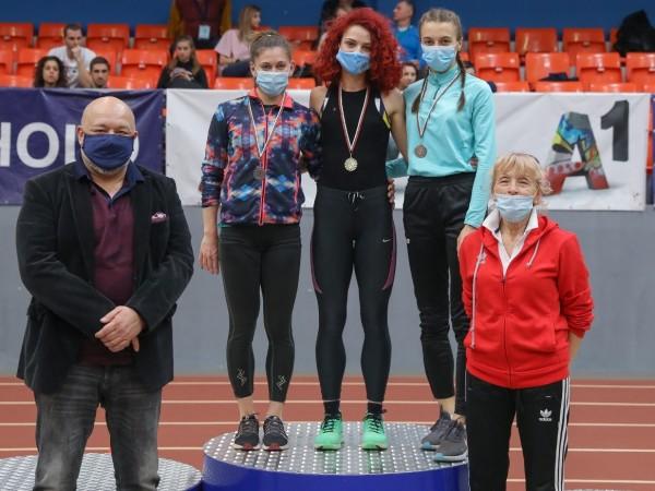 Министърът на младежта и спорта Красен Кралев проследи надпреварите от