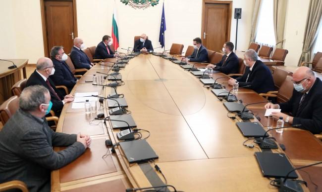 Ръст на болните от новия щам с 40% за 14 дни, Борисов: Мерките са правилни