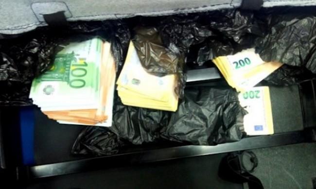 """Откриха недекларирани 166 000 евро на ГКПП """"Дунав мост 2"""""""