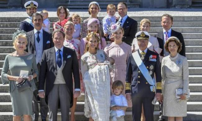 """Правят филм и за шведското кралско семейство, подобно на """"Короната"""""""