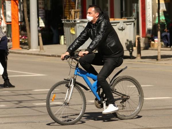 Колоездачи и собственици на електрически средства за придвижване ще могат