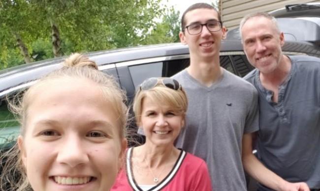 Семейството на Алекс, самоубил се заради Robinhood: Имал е нужда от малко помощ