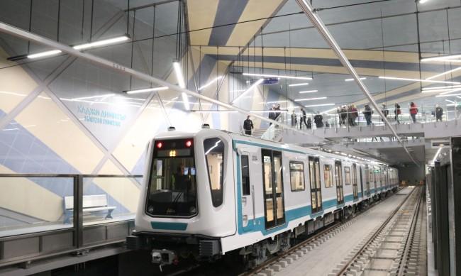 Технически проблем забавя движението в столичното метро