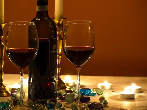 Червеното вино е предпочитано за студените зимни вечери, както и