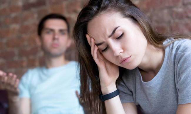 Кои са признаците, че партньорът ви е контролиращ?