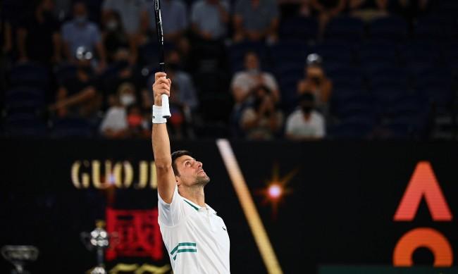 Джокович разби сензацията Карацев и е на финал на Australian Open