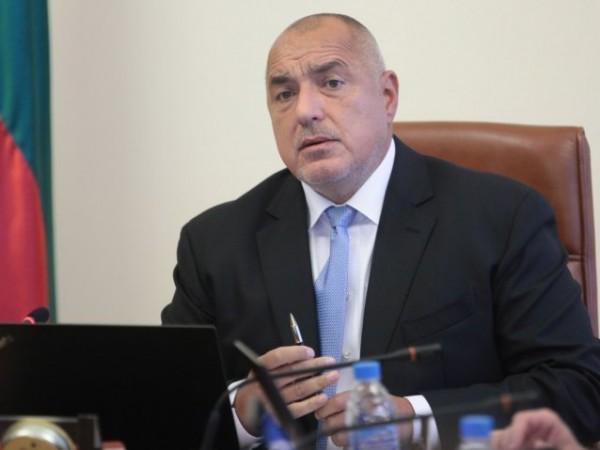 БСП упрекна председателя на парламента Цвета Караянчева, че укрива премиера