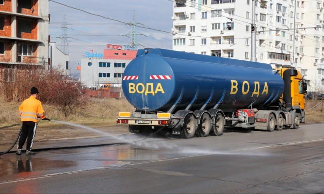Започва миенето на улици и булеварди в София