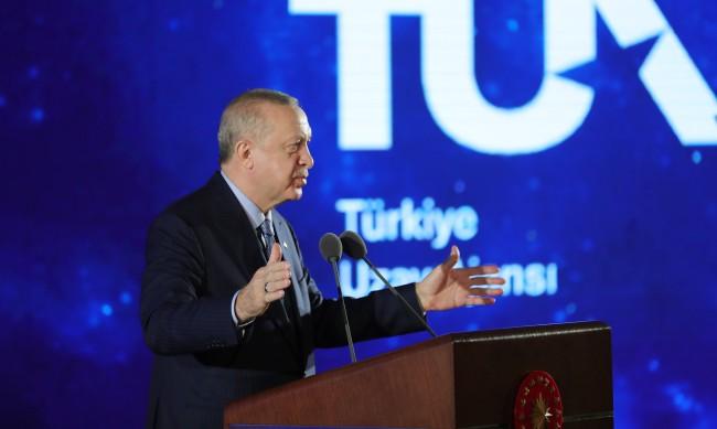 Турция с обвинения срещу Гърция заради мигрантите