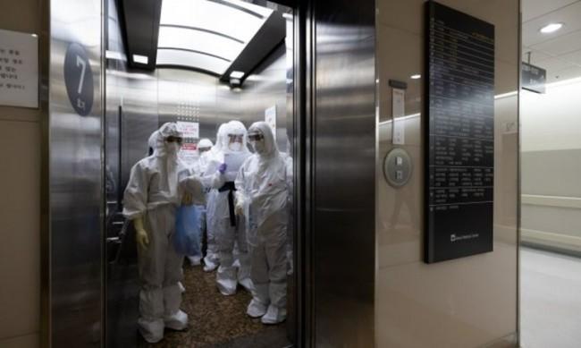 Асансьорът - сред най-опасните места за заразяване с коронавируса