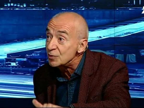 Проф. д-р Захари Михайлов Захариев е експерт по отношенията между