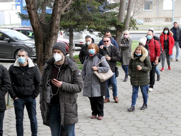 В Пловдив увеличават кабинетите, в които може да се направи