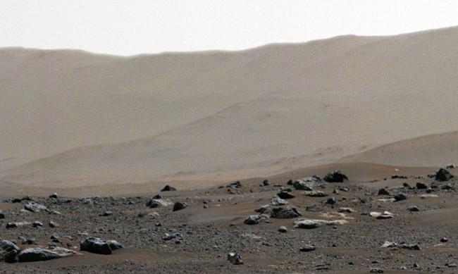"""НАСА показа 360-градусова снимка на Марс от """"Пърси"""""""