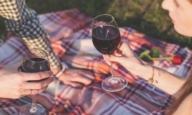 Какво ще стане, ако купите само 2 бутилки повече BG вино?