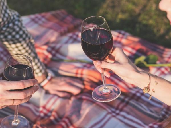 2 бутилки повече вино на домакинство компенсират спада на износа