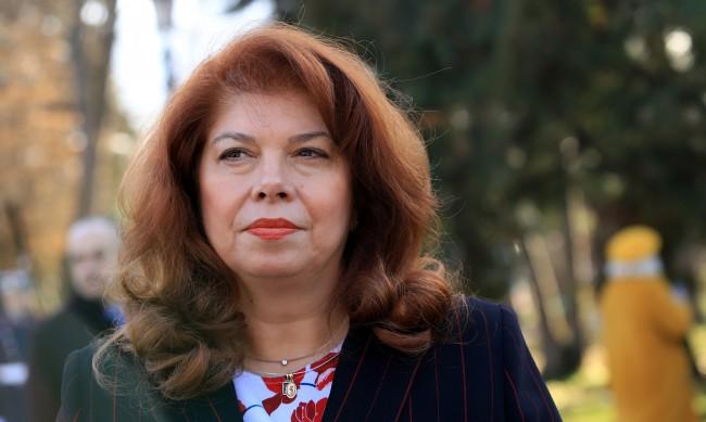 Йотова: Президентът Радев направи възможна промяната на България