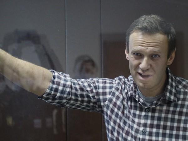 Руският опозиционер Алексей Навални е изведен от следствания изолатор номер