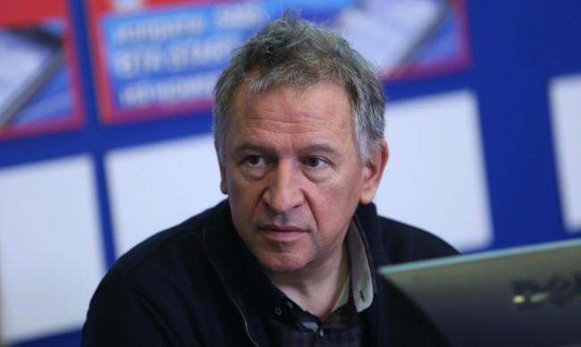 Стойчо Кацаров: Ваксинационните паспорти означават още ограничения