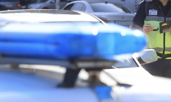 Арестуваха мъж, заплашил майка си с убийство