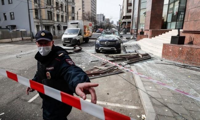 Взрив разруши кафене и рани трима в руския град Нижни Новгород