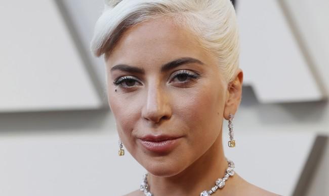 Жена върна откраднатите кучета на Лейди Гага