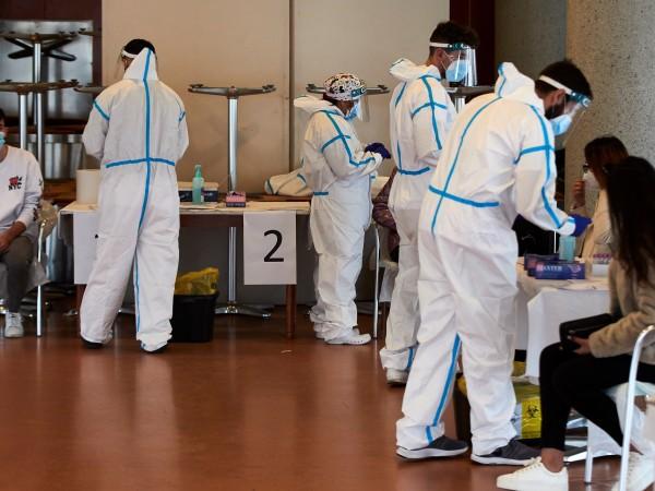 Испания ще поставя само по една доза ваксина на хора