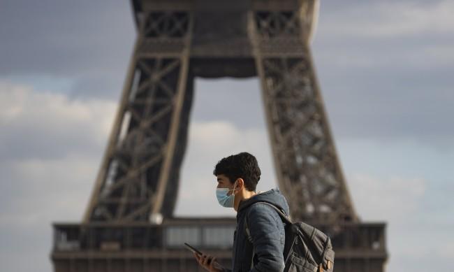 Трети пореден ден Франция отчита над 25 000 заразени с COVID