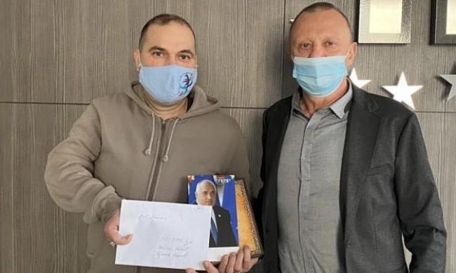 Красен Кралев и Пламен Нунев подпомогнаха спортен клуб в Русе