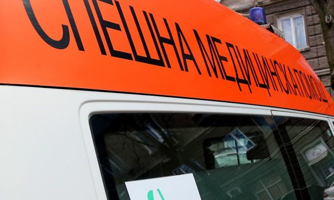 Кола помете жена на зебра в София, нямало видимост