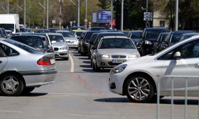 Софиянци не слизат от колите си - на челно място в Европа
