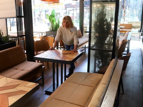 След месеци на затворени врати утре ресторантите ще посрещнат първите