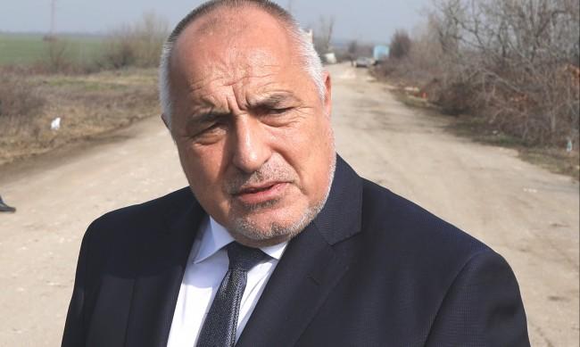 Борисов: България преговаря с Гърция и с Франция за ваксини назаем
