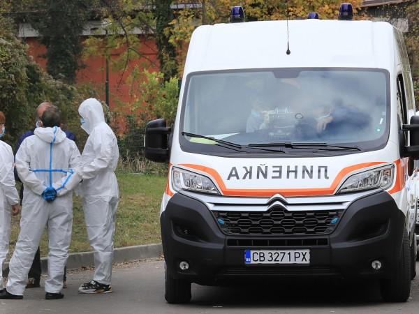 Снимка: Малко тестове, заразените с коронавирус са 332, а починалите - 24
