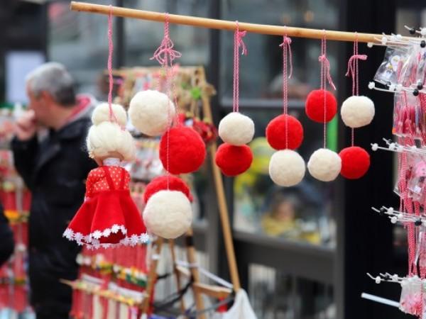 Цената на ръчно изработените традиционни мартеници за дома на Пижо