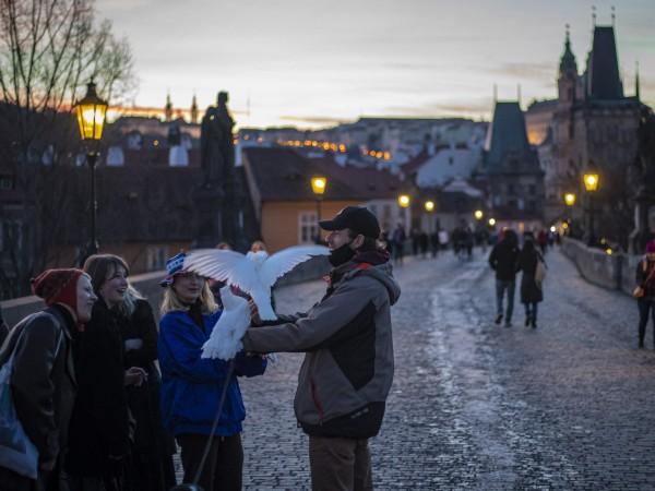 Нови, по-строги мерки срещу разпространението на COVID-19 в Чехия влизат