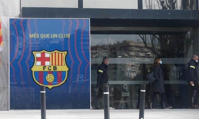 Икономическа полиция нахлу в офисите на Барселона