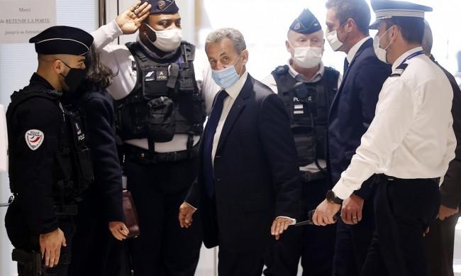 Осъдиха Никола Саркози за корупция и злоупотреба с власт
