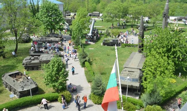 Реликви от Руско-турската война в парка на НВИМ за 3 март