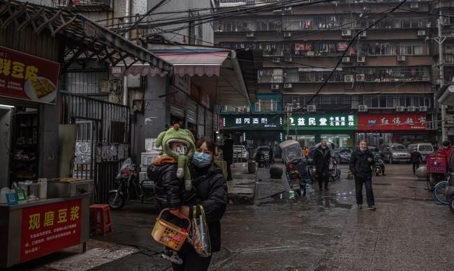 Какво се случи с хората, които искаха да кажат истината за вируса в Китай?