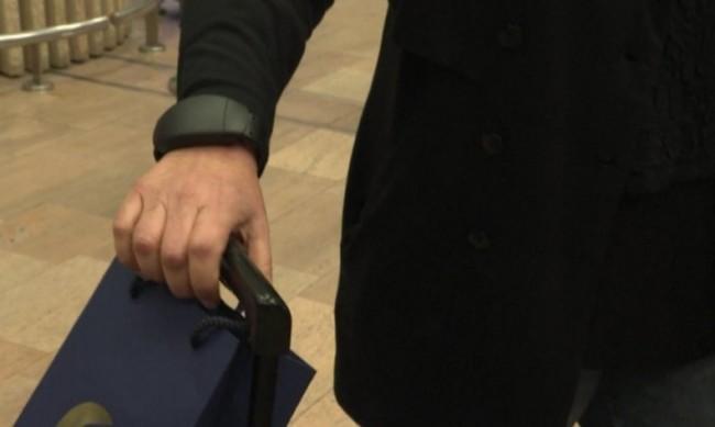 Проследяващи гривни вместо карантина за пристигащи в Израел