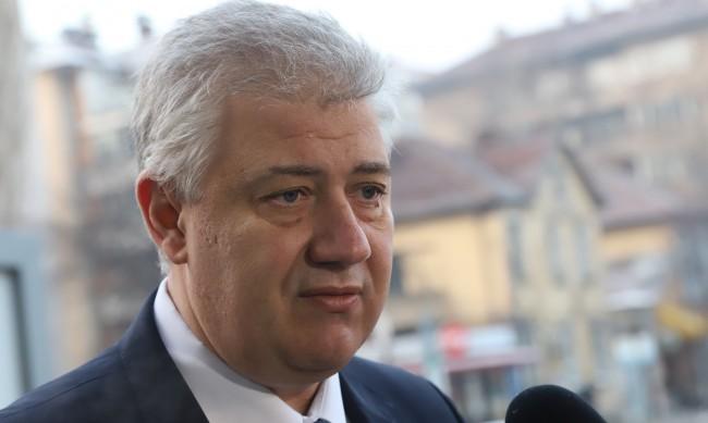 """Балтов: Спряхме """"зелените коридори"""", за да има за комисиите"""