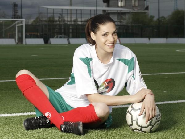 Мис България 2011 Ваня Пенева роди дъщеря на ексдепутата Антони